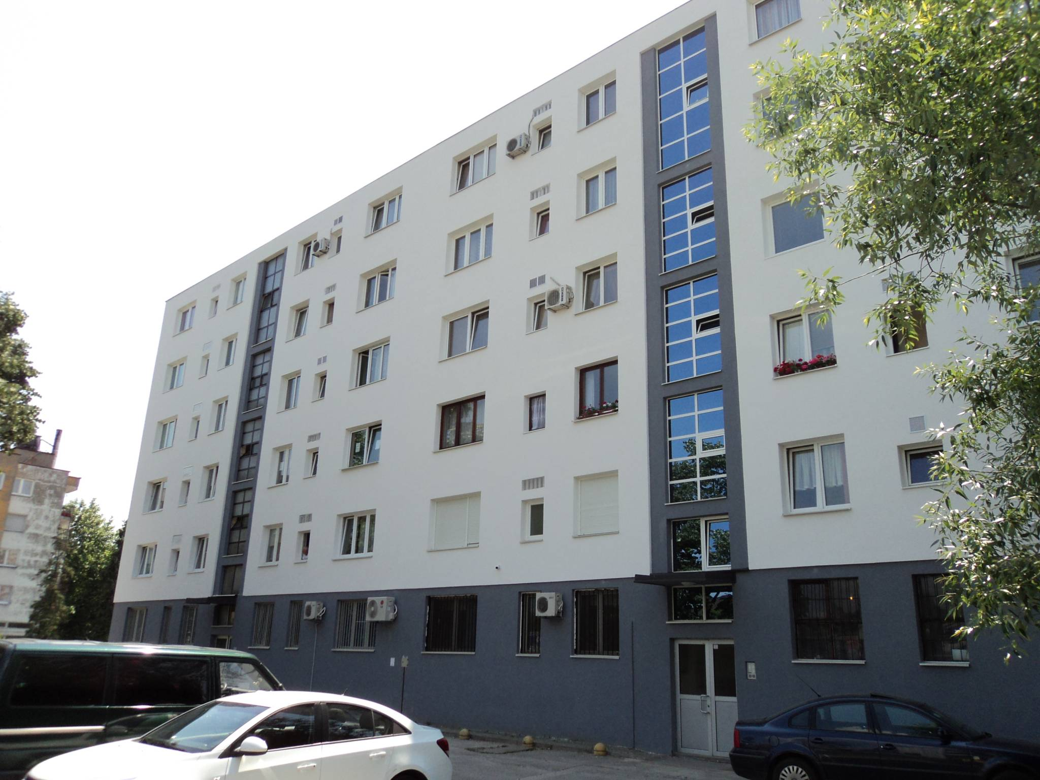 Energy Efficient Renovations : Improving living conditions in romania national subsidy
